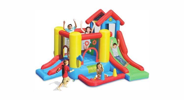 Migliori grandi gonfiabili con scivolo: Play House 7-in-1 di Happy Hop