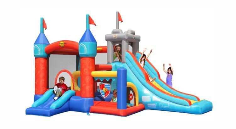 Migliori grandi gonfiabili con scivolo: Castello Medievale 13-in-1 di Happy Hop