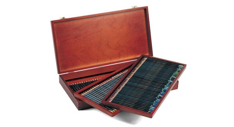 Migliori matite colorate:Set Artists da 120 colori con la valigetta in legno di Derwent