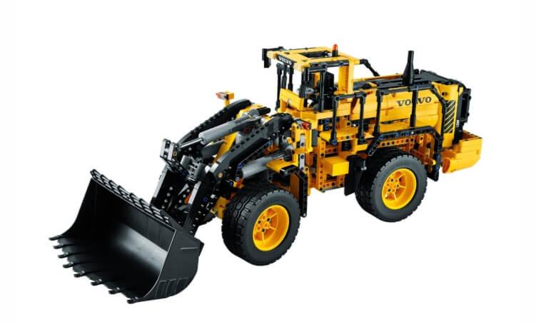 Migliori trattori elettrici per bambini:Ruspa telecomandata Volvo L350F di Lego Technic