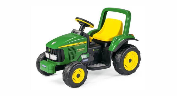 Migliori trattori elettrici per bambini:Trattore elettrico John Deere Power Pull di Peg Perego