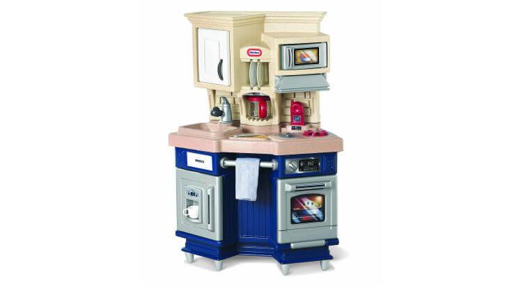 Migliori cucine per bambini (in plastica e legno): Cucina Super Chef Kitchen di Little Tikes